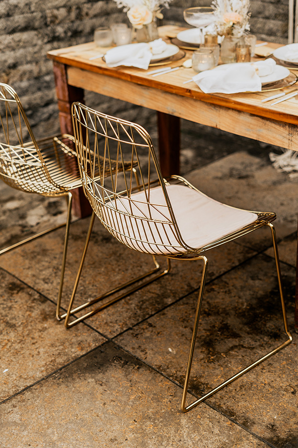 Lucy Wire Chair zu mieten