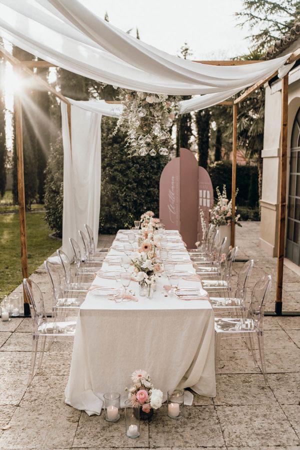 Dinner-Frame Holzkonstruktion für Hochzeitstafel mieten