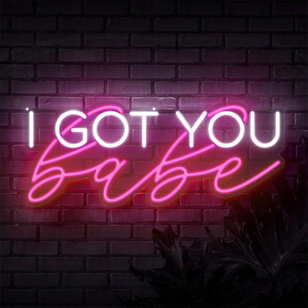Neon Schriftzug I got you babe online mieten und per Versand erhalten