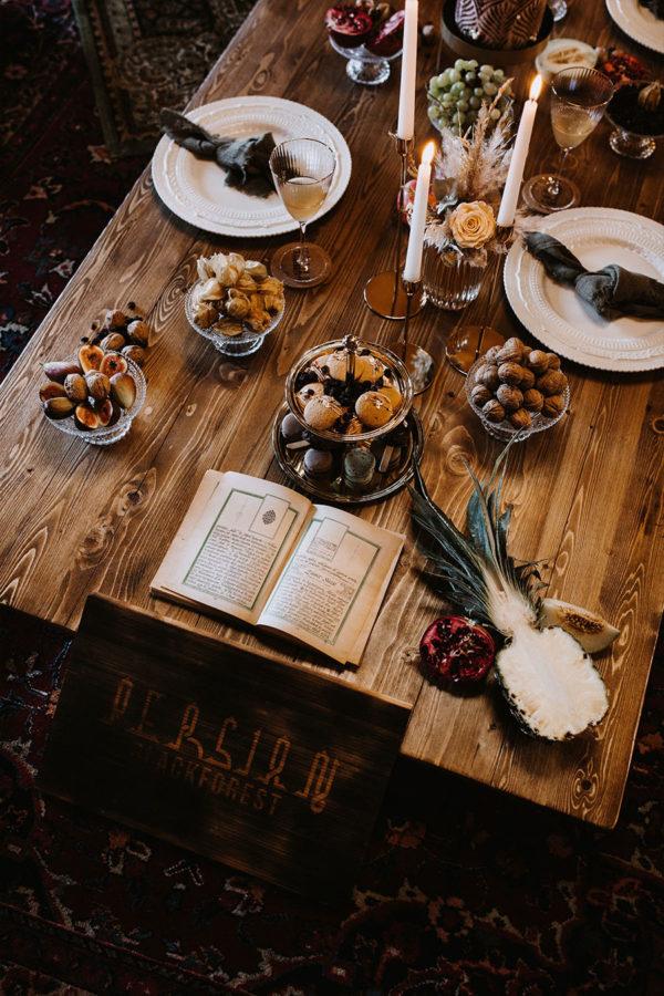 Niedrigen Esstisch mieten bei VonRock Eventverleih